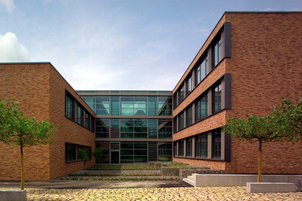 G6H41327 Innenhof